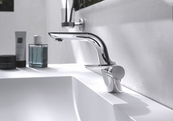 Jörger, Design, Exal, modern, minimalistic, dynamic form, washbasin tap in chrome